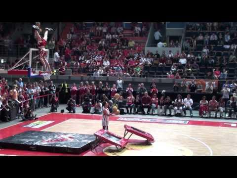 Dunking-Devils Basketball-Akrobaten- beim FCBayern Basketball