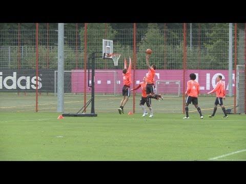 FC Bayern: Basketball mit Air Mandzukic und Shaq(iri)-Attack