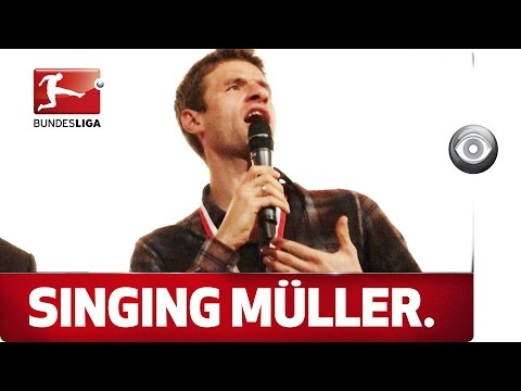 The Voice of Bayern – Thomas Müller Sings a Christmas Song