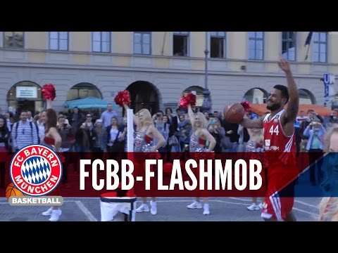 I HAVE A TEAM – Flashmob am Odeonsplatz München #FCBB