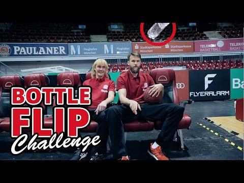 Matze Knop: Bottle Flip Challenge beim FC Bayern Basketball