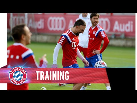 Run, dribble, shoot – FC Bayern training with lots of goals