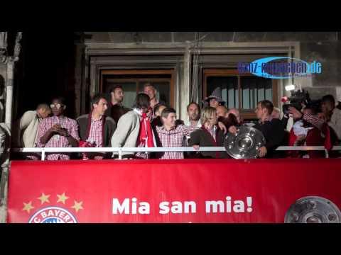 """""""Stern des Südens"""" auf dem Rathausbalkon @  FCB Meisterschaftsfeier 2013 , München"""