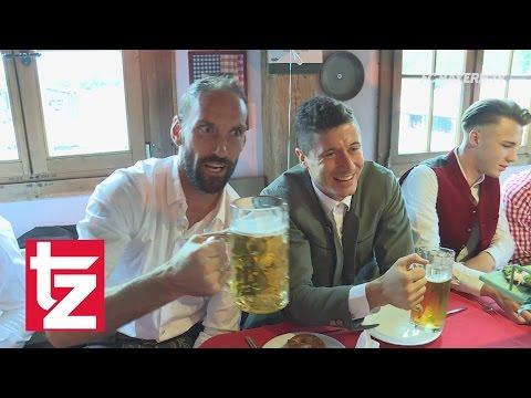 FC Bayern auf der Wiesn 2016: Aufnahmen aus Käfer's Wiesn-Schänke