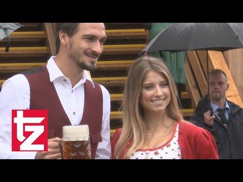 FC Bayern München: Schicke Spielerfrauen im Dirndl – Oktoberfest 2016