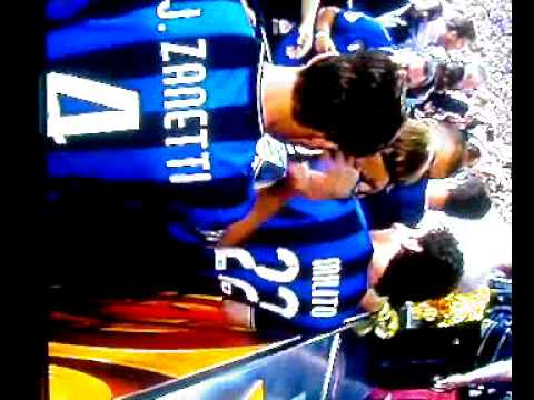 Inter Milan 2-0 Bayern Munich. Champions League final 2010. Inter players lifts the cup.