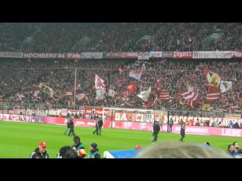 """FC Bayern-Werder Bremen,""""FC Bayern Forever Number One"""",12. März 2016,Spieler laufen auf"""