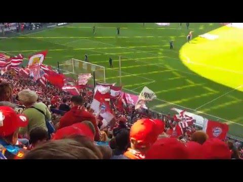 FC Bayern München : Borussia Mönchengladbach / Allianz Arena: Vorstellung + Einlauf der Mannschaften