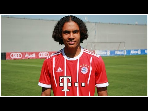 FC Bayern: Joshua Zirkzee trifft gegen Paris Saint-Germain