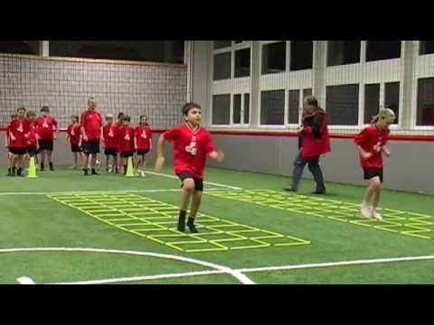 """Fußballtraining die kleinen  Nachfolgern  von FC Bayern """"neu 2010"""""""