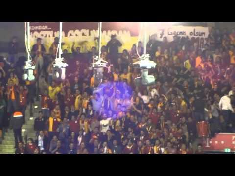 Galatasaray Fans rocken Audidome gegen FC Bayern Basketball