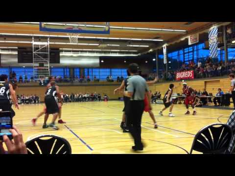 FC Bayern München Basketball vs. Toyota Alvark – Chevon Troutman scores with layup