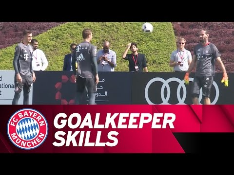 Goalkeeper Keepy Uppies feat. Neuer and Co. | FC Bayern Doha 2017