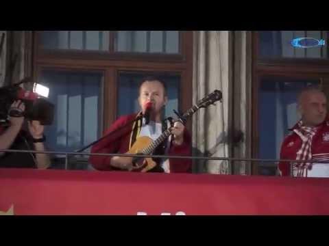 Willy Astor – Stern des Südens  unplugged  @ Meisterfeier 2014 FC Bayern München Marienplatz