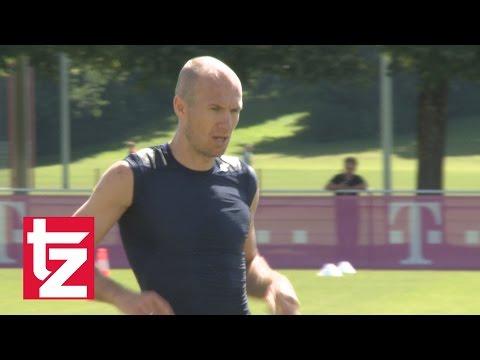 """FC Bayern: Arjen Robben scheitert an Mini-Aufgabe im Training und wird """"bestraft"""""""