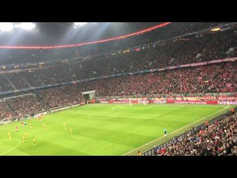 Bayern atmosphere after GOAL (Robben) 1-0