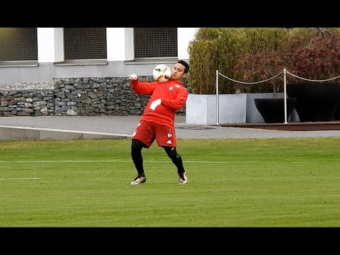 Thiago Alcantara – awesome skills | dribbling | shots | ball reception | FC Bayern Munich