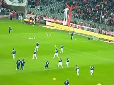 Fc Bayern München Spieler kommen zum Aufwärmen + Stern des Südens LIVE VOM STADION!!!