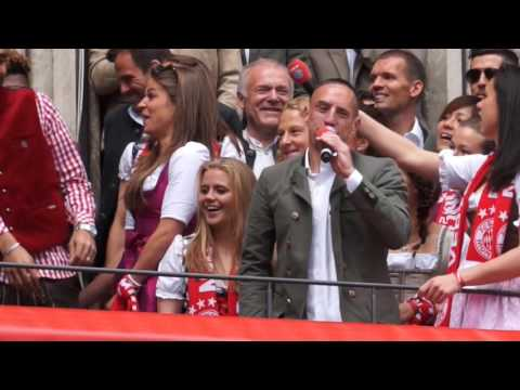 Hau ab, Müller! – Franck Ribery rockt Meisterfeier FC Bayern