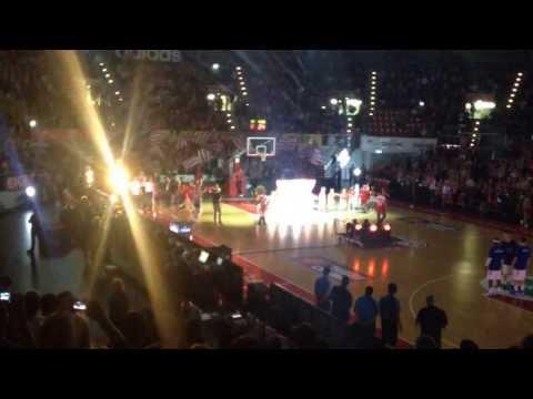 Einlauf des FC Bayern Basketball im AUDI-Dome