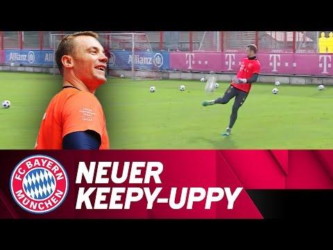 Manuel Neuer's Keepy-Uppy Skills | FC Bayern Training
