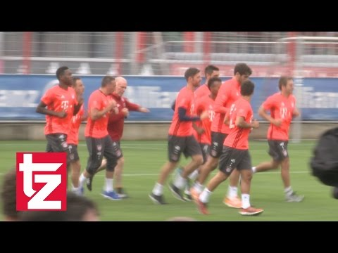 FC Bayern: Hermann Gerland verpasst Franck Ribéry Bodycheck