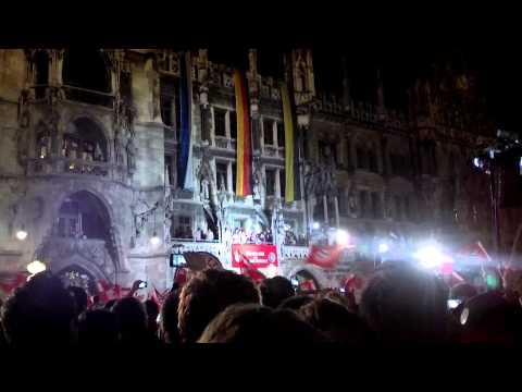 FC bayern anthem stern des Sudens Meisterfeier 2013 by fans and players