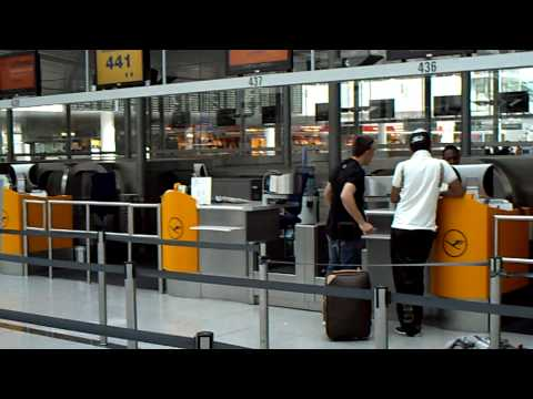 Franck Bilal Ribery FC Bayern on Munich Airport-exclusive video
