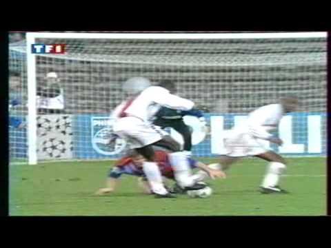 Weah   Bayern Extérieur 1994
