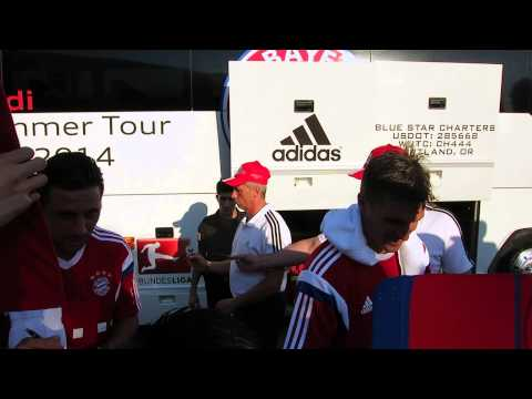FC Bayern Munich Signing Autographs USA TOUR