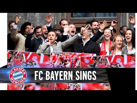 FC Bayern celebrates with the fans