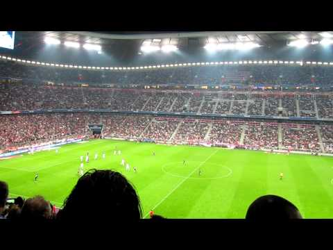 FC Bayern vs. Real_5 (13.08.2010) – Bayern Fans melden sich nach 78 Minuten