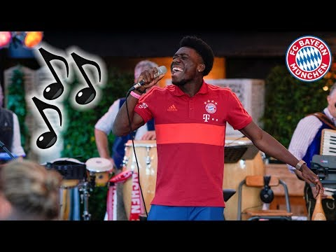 🎤 Lucas, Phonzie & Arp: New Signings Sing Songs! | FC Bayern 🎶