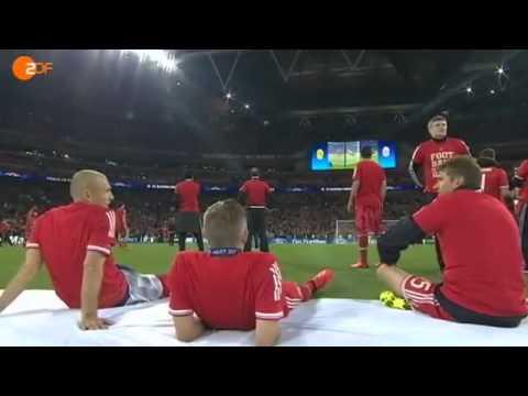 2 zu 1 für FC Bayern München gegen BVB   Champions League Finale 2013 kommentiert von Oliver Kahn]