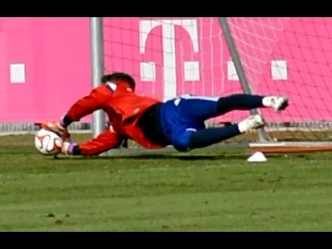 Ivan Lucic – Low diving Saves – Goalkeeper Training – Torwarttraining | FC Bayern Munich