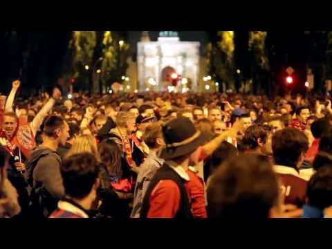 Bayern Munich fans going crazy after UEFA Champions League final 2013-05-25, Feier auf Leopoldstraße